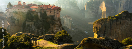 Canvas Print Mysterious hanging over rocks monasteries of Meteora, Greece