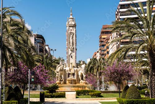 Canvas-taulu Brunnen Plaza de los Luceros Alicante