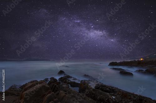 Αφίσα milky way galaxy with beautiful seascape long exposure.