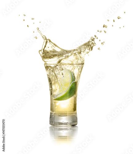 Obraz na płótnie shot of gold tequila with splash