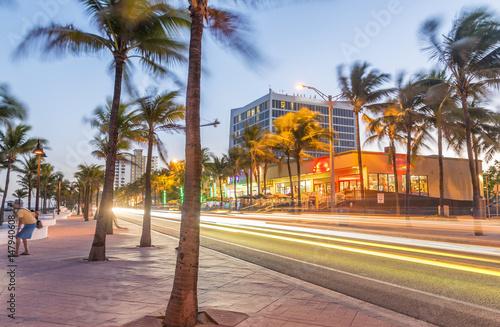 Fototapeta Fort Lauderdale at night. Amazing lights of Beach Boulevard