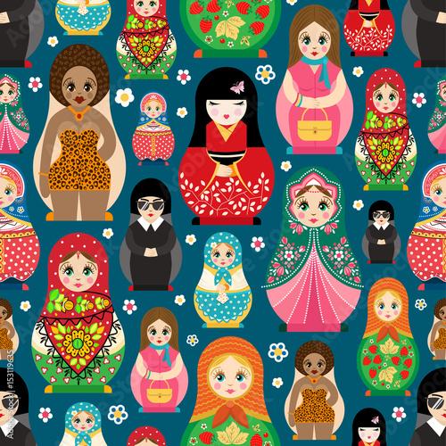 Photo Traditional Russian doll Matryoshka toy nesting vector illustration with human g