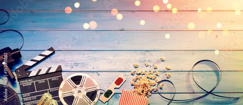 Fotografía Cinema Film Background - Vintage Effect - Camera With Clapperboard, Tickets, Rol