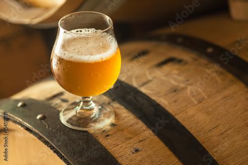 Fotografia Light beer on a barrel