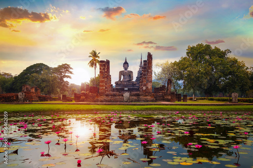 Obraz na płótnie Wat Mahathat Temple at  Sukhothai Historical Park, a UNESCO World Heritage Site