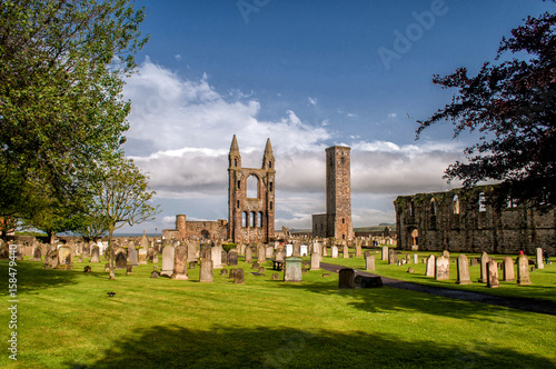 Canvas Print Afternoon sun-lit remains of a ruined cathedral in St Andrew, Scotland