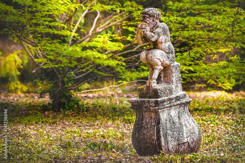 Carta da parati faun myth creature roman mythology poses legs statue