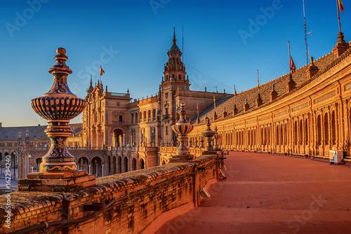 Fototapeta premium Sewilla, Hiszpania: Plaza de Espana, Hiszpania Plac w zachodzie słońca