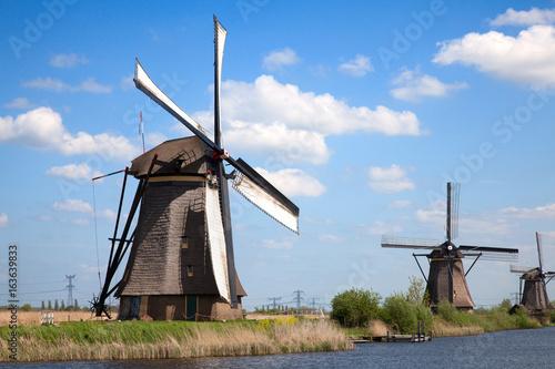 Obraz na płótnie Windmills