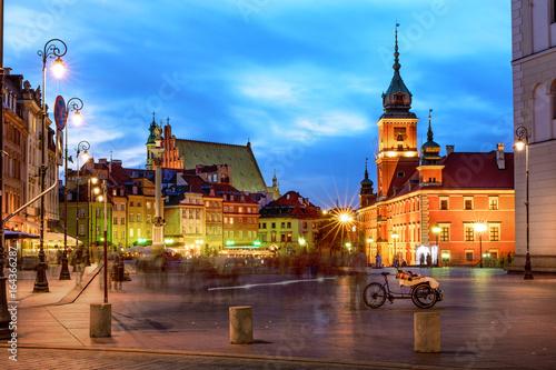 Warsaw's Old Town by night. Stare Miasto, Zamek Królewski w Warszawie