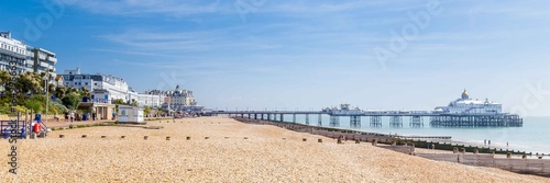 Valokuva Panorama with pier and promenade in Eastbourne, Sussex, United Kingdom