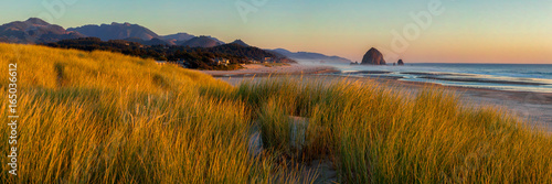 Fotografie, Tablou Looking south to Cannon Beach and Haystack Rock in Cannon Beach, Oregon