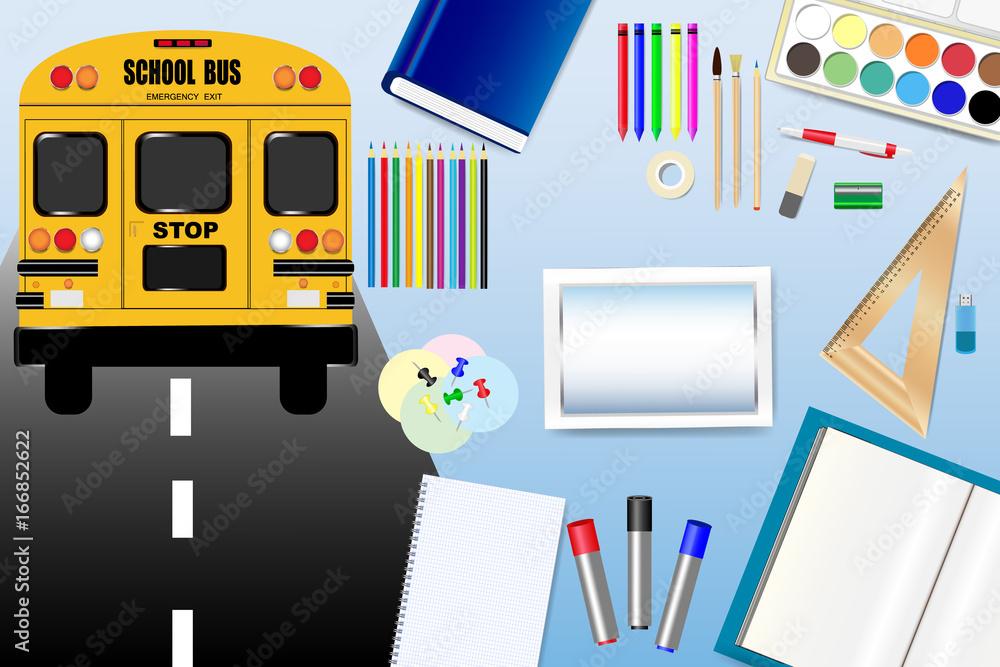 Autobus szkolny jedzie po drodze po lewej stronie wektora. Wyposażenie szkoły znajduje się po prawej stronie wektora z pustym ekranem tabletu w środku, gotowym do wpisania tekstu. <span>plik: #166852622   autor: frank11</span>