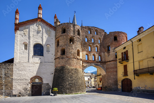 Slika na platnu The Cathedral and Savoy Gate in Susa, Susa Valley, Italy