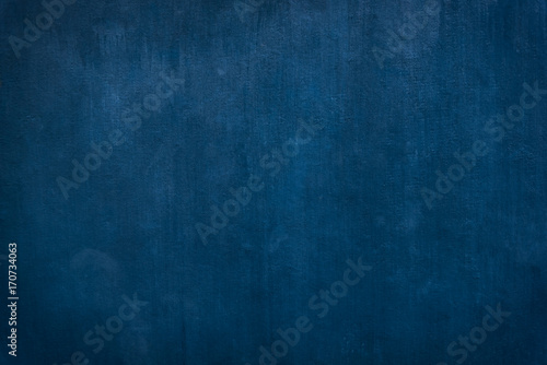 Naklejka premium Grunge błękit malujący na cementowym tle i teksturze