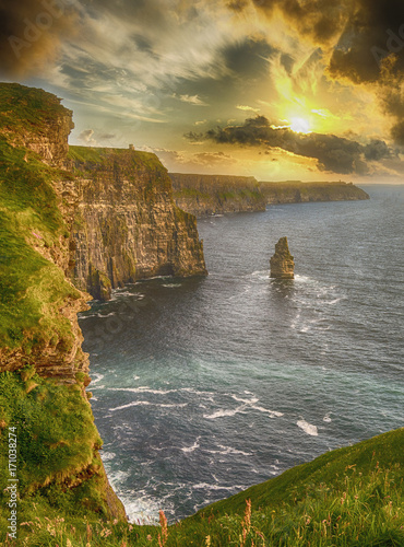 Foto epic views from the cliffs of moher in county clare ireland