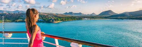 Obraz na płótnie Cruise ship tourist woman Caribbean travel vacation banner