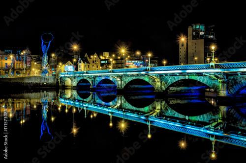 Fotografija Belfast Bridge at Night