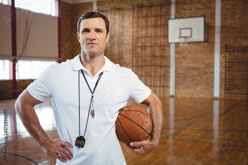 Photographie Portrait of confident basketball coach