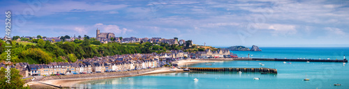 Fotografia Panoramic view of Cancale, located on the coast of the Atlantic Ocean on the Bai