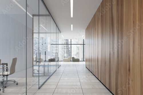 Photo Glass and wooden office corridor