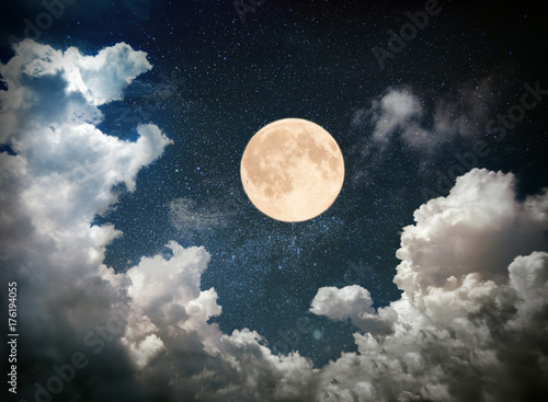 Fotografiet full moon on night sky