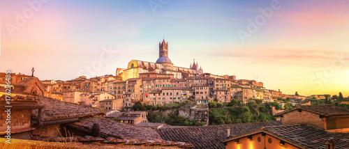 Fotografie, Obraz Colorfull Sunset in Siena, Tuscany - Italy