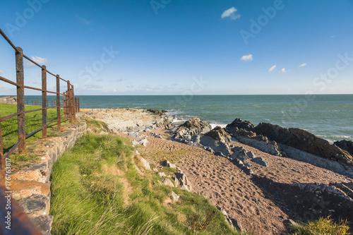 Fototapeta Costiera rocciosa e sabbiosa irlandese