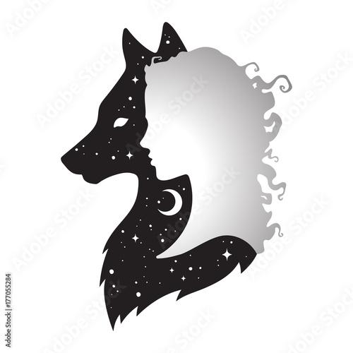 Sylwetka piękna kobieta z cieniem wilka z półksiężycem i gwiazdami odizolowywającymi. Majcheru, druku lub tatuażu projekta wektoru ilustracja. Pogański totem, wiccan znana sztuka ducha
