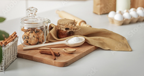 Fotografia Sweet food on the domestic table
