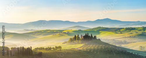 Fotografie, Obraz Beautiful foggy landscape in Tuscany, Italy