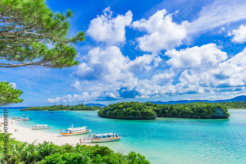 Fototapeta premium Ishigakijima Kawahira Bay