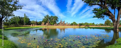 Fotografia Sukhothai Historical Park at day time, Sukhothai province