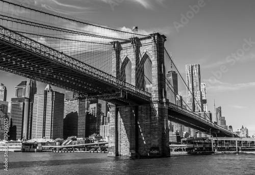 New York, Skyline mit Brooklyn Bridge