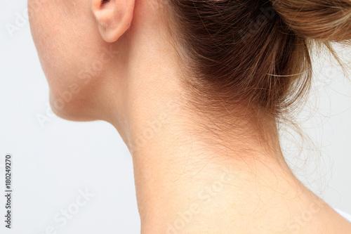 Obraz na plátně Nape of a young woman's neck