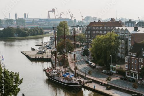 Über den Dächern von Emden - Altstadt Emden Fototapet