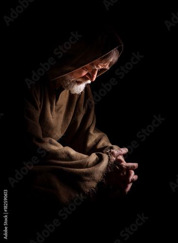 Photo Mönch versunken im Gebet
