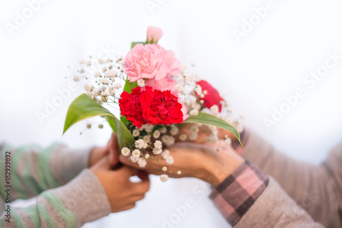 Fotografia 花束を贈る子供