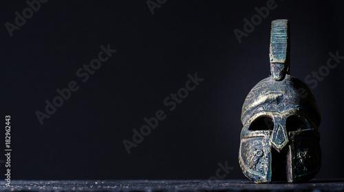 Fényképezés roman helmet on a black background