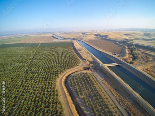 Foto Aerial view above California aqueduct