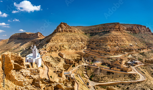 Fotografie, Obraz Panorama of Chenini, a fortified Berber village in South Tunisia