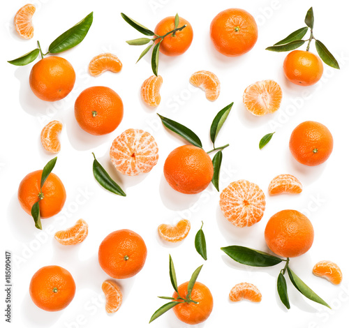 Tangerines with leaves. Top view.