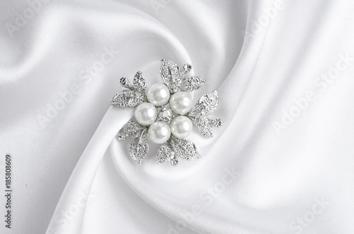 Canvas silver brooch flower with pearl on silk