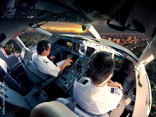 Fotografija Cockpit of modern passenger jet aircraft