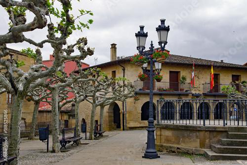 Der Marktplatz von Elciego