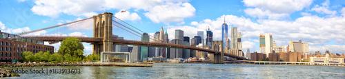 Fotografia New York City Brooklyn Bridge panorama with Manhattan skyline