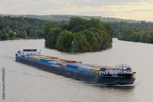 Leinwand Poster Efficient and eco-responsible supply using barges and river