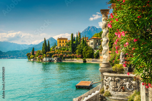 Photo Oleander flowers and villa Monastero in background, lake Como, Varenna