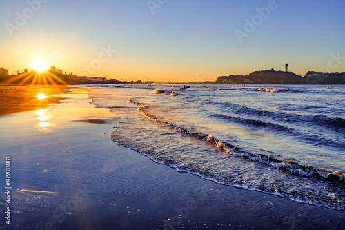 湘南の海で2つの太陽 Fototapet