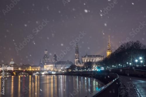 Naklejki na drzwi Pierwszy śnieg w Dreźnie